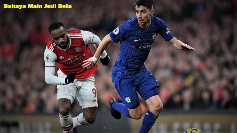 Bahaya Main Judi Bola